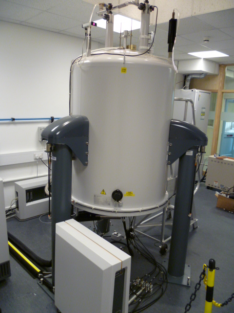 Varian VNMRS 600 spectrometer with cryoprobe