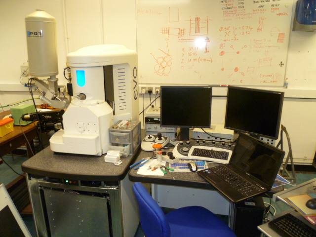 Zeiss Evo MA10 LaB6 SEM with instrument probe