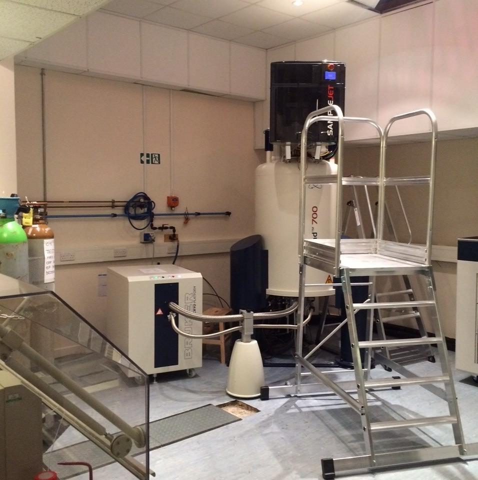 700 MHz NMR Spectrometer